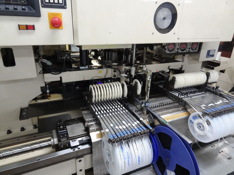 High speed pick and place machine is able to put 100K components per hours